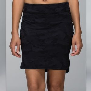 Lululemon city skirt (camo)